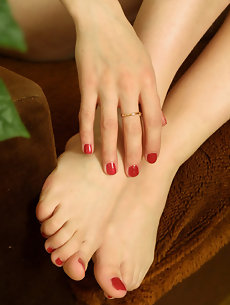 Feet Galleries